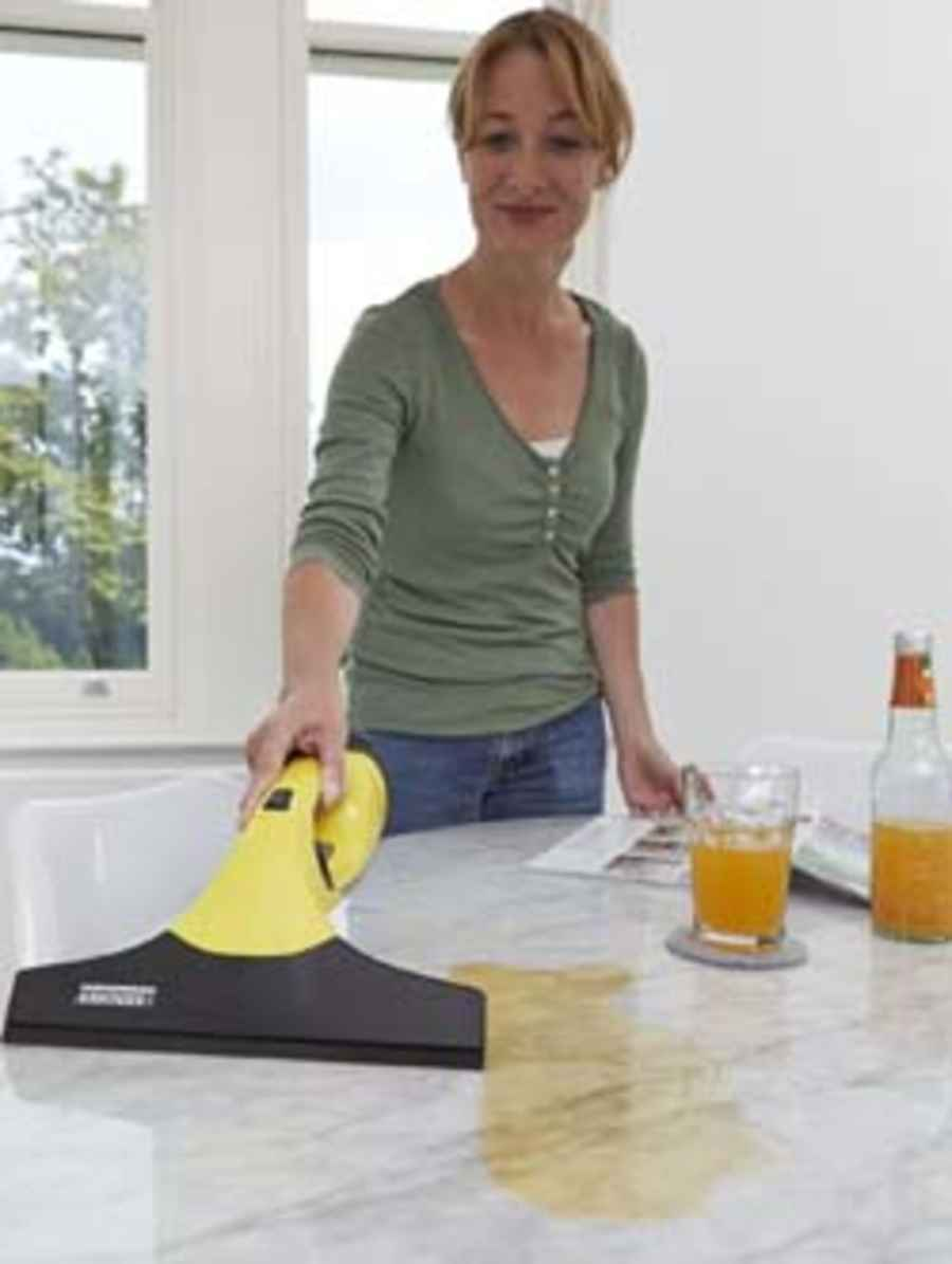 karcher-cleaning-up-spills